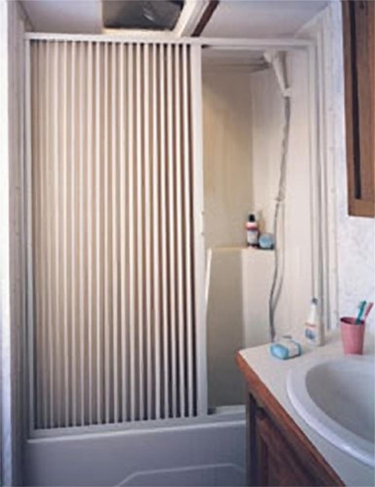 IRVINE 4857SW RV Pleated Shower Door 48\