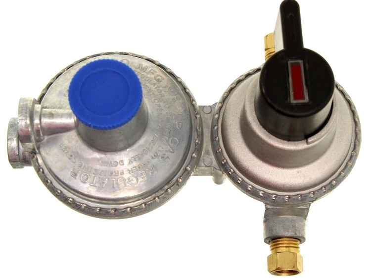 Camco 59005 Propane Double Stage Auto Changeover Regulator