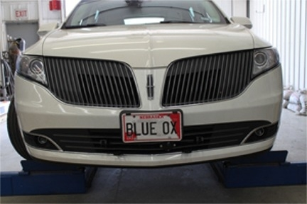 Lincoln MKT Includes Adaptive Cruise Blue Ox Base Plate