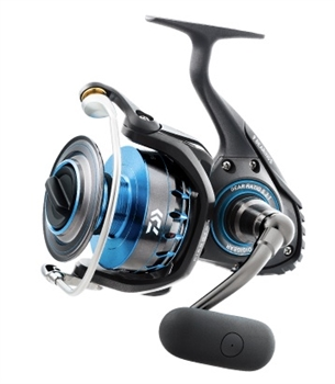 DAIWA SALTIST SPINNING (CHOOSE FROM 2500-6500 SERIES)