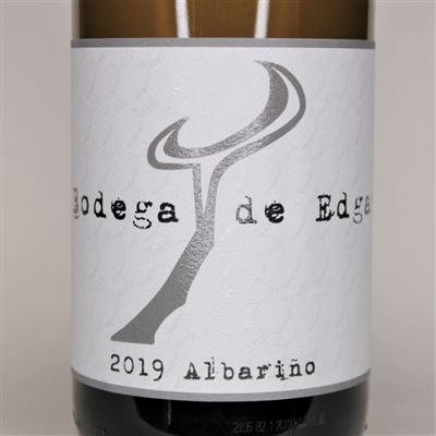 750ml bottle of 2019 Bodega de Edgar Albarino from the Shale Oak Vineyard of Paso Robles California