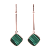 Simplicity is the essence of the beauty of these Chandelier Earrings that allows the Green Malachite stand out. The post  has a hinge that gives the Earrings movement. Made in Milan by Bronzallure. Golden Rose' 18k plating. 