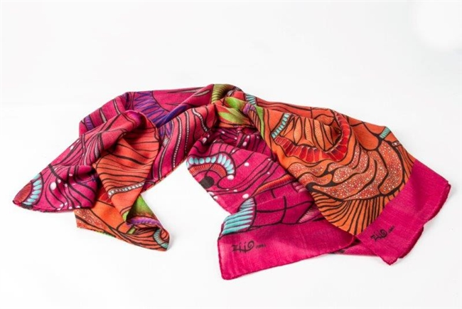 "Ziio's Pink Jungle Print Shawl in 100% Cashmere. A beautiful pattern in Pink, Orange and Cream with shades of Green & Blue. A nice light weight. Made in Italy with a hand rolled finished edge. L 82"" X W 27"""