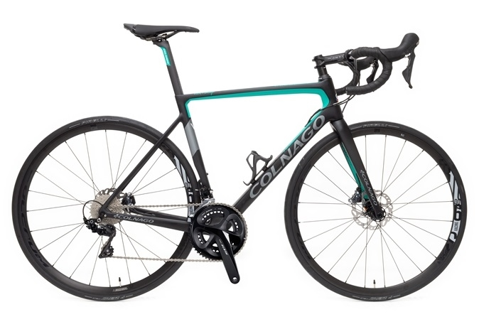 Colnago V3 Disc 105 | 2021  | Black/Green | £2999 | Premium UK Colnago stockist, contact us for competitive pricing.
