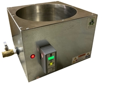 Primo 50 lb Melter: Eco-Friendly Melting Tank is the Industry's Fastest, Even Heating, Energy Efficient, Digitally Controlled 50lb (23kg) Modified Direct Heat Melter