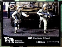 Verlinden Productions #2337 1/35 US Troops Running in Iraq