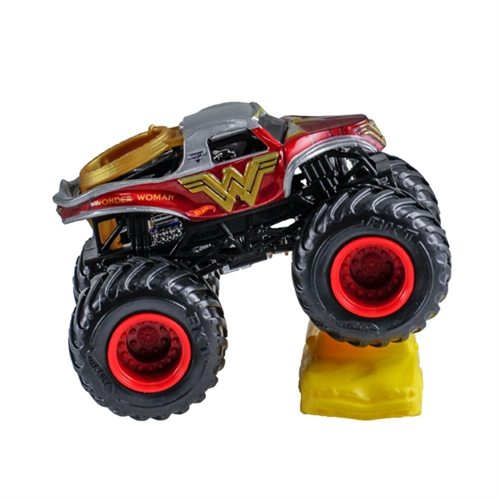 1:64 Hot Wheels Wonder Woman Truck - Re-Crushable Car 6/15 Epic Additions