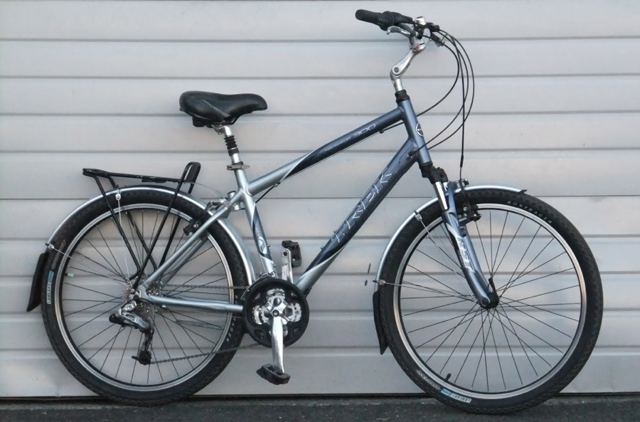 Medium Trek Navigator 300 Aluminum Comfort Commuter Bike 5