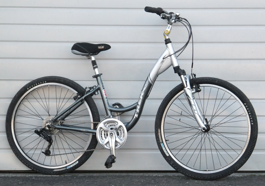 16 Trek Navigator 200 Aluminum Step Through Comfort Commuter Bike