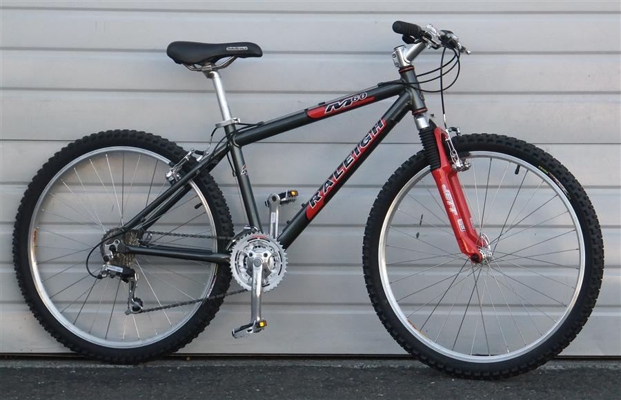 16 Raleigh M60 Mountain Bike 5 3 5 6