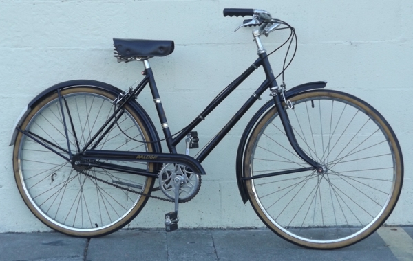 "Small RALEIGH Sports 3 Speed Sturmey Archer Town Bike ~5'3""-5'6"""