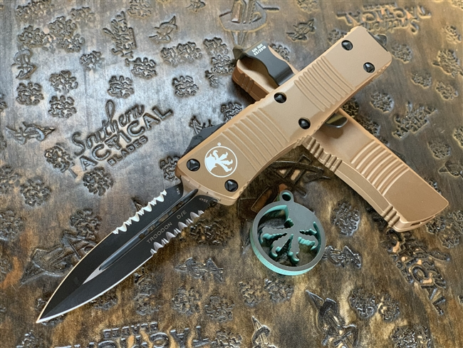 Microtech Troodon Double Edge Part Serrated Tan