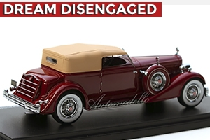 1934 Packard Twelve Convertible Victoria by Dietrich in Red 1:43