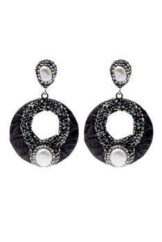 Hollow Circle Pearl Earring E2372 - Black