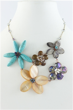 Five Different Size Flower Short Necklace N1919