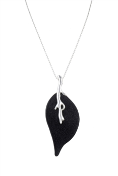 Fashion Designs Leaf Pendant Necklaces N3090