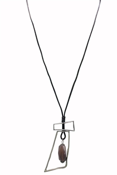 Leatherette Geometric Pendant Necklace N3273
