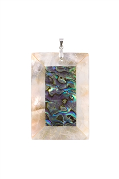 Mother of Pearl Pendant P0597