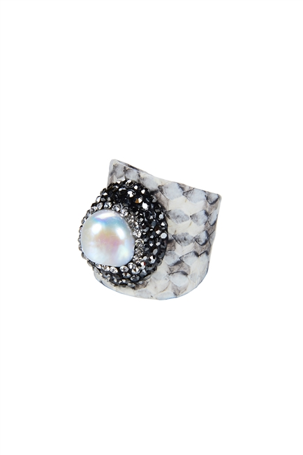 Fashion Snake Skin Leather Pearl Rings R1384