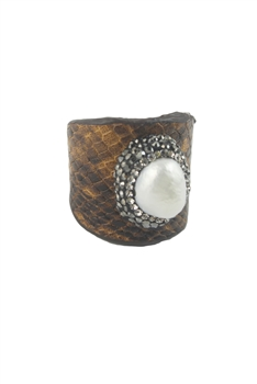 Snake Leatherette Rings with White Pearls R1409 - Brown