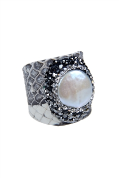 Fashion Turquoise Pearl Crystal Leatherette Rings R1437 - White