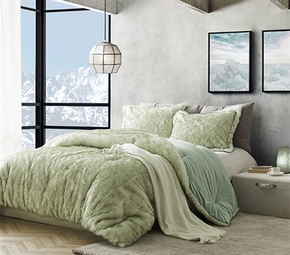 Luxurious College Comforter for Twin XL Sized Dorm Bed Coma Inducer Arctic Moss Tundra Green Plush Dorm Bedding