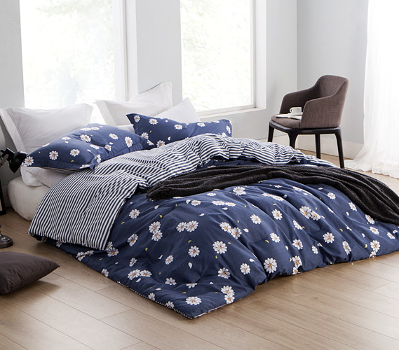 Navy daisies twin xl college comforter dorm room essentials product reviews gumiabroncs Image collections