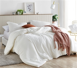 Super Soft Cotton and Polyester College Bedding Stylish Designer XL Twin Comforter for Dorm Bed