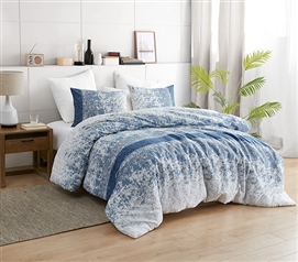 Distracted Blues Twin XL Comforter