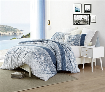 Distracted Blues Twin XL Duvet Cover