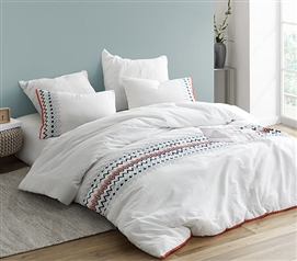Isla del Sol - Embroidered Twin XL Comforter