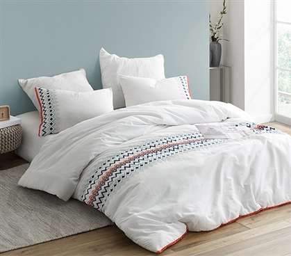 Stylish Isla del Sol Oversized College Comforter Soft Dorm Bedding with Embroidered Design