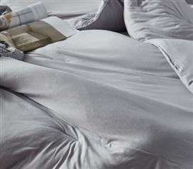 Stylish Gray Dorm Bedding Decor High Quality Microfiber Infused with Spandex Bare Bottom Tundra Gray Extra Long Twin Comforter
