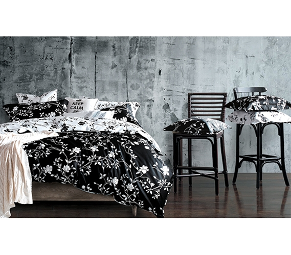 Moxie Vines Black and White Twin XL Comforter