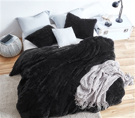 Affordable Extra Long Twin Bedding Ideas for College Decor Black Fuzzy Blanket for Dorm Beds