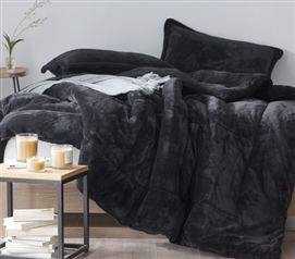Cozy Plush Extra Long Twin Comforter in Black