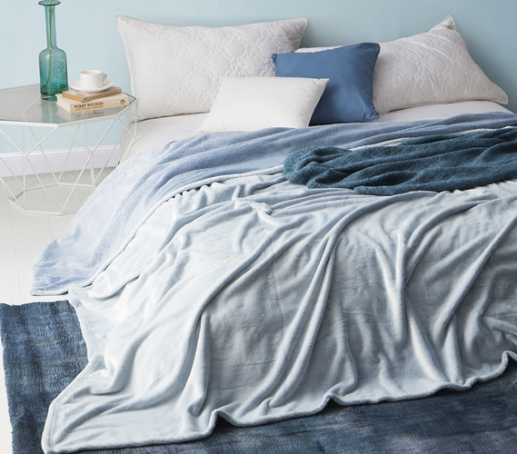 Coma Inducer Frosted   Twin XL Bedding Blanket   Pacific Blue