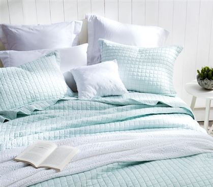 Twin XL Soft Dorm Comforter Cotton Fill - Hint of Mint