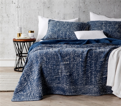 Filter Stone Washed College Dorm Quilt in Dark Navy Color