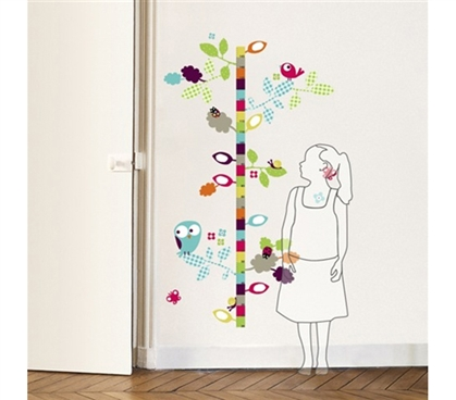 Peel N Stick removable dorm decor without damaging college walls