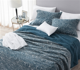 Textured Cotton Quilt for Twin XL Dorm Bed in Nightfall Navy