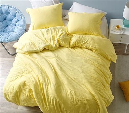 Chommie - Weighted Natural Loft Twin XL Comforter - Limelight Yellow