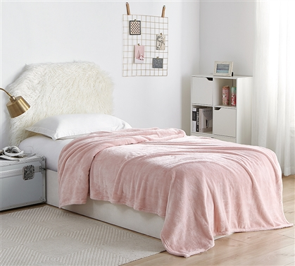 Me Sooo Comfy Dorm Bedding Blanket - Rose Quartz