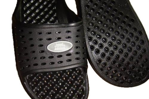 f904995dd64b Anti-Slip Men s Shower Sandal (The Original Drainage Hole Sandal ...