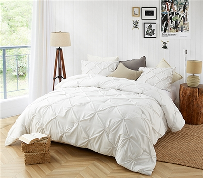 Farmhouse White Pin Tuck Twin XL Comforter