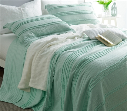 Ruffled Stone Washed Quilt - Hint of Mint - Twin XL