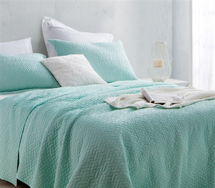 Softest Stone Washed Quilt - Hint of Mint - Twin XL