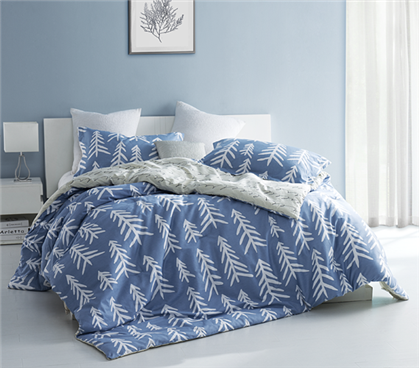 dorm room comforter set blue and white extra long twin designer dorm bedding. Black Bedroom Furniture Sets. Home Design Ideas