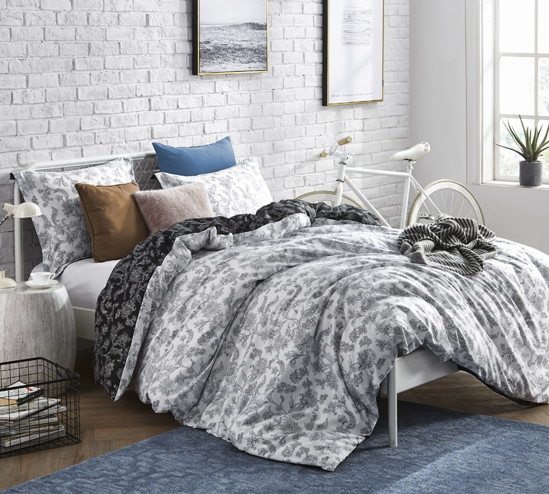 Pretty Moxie Vines Design White And Black Extra Long Twin Bedding Stylish Oversized Twin Xl Duvet