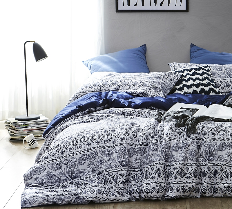Buy oversize King comforter set online   blue and navy bedding King XL
